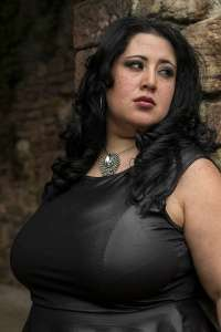 Plus Size Shooting - mollige Frauen - Dicke - Curvy Model - Fotostudio OWL - 42